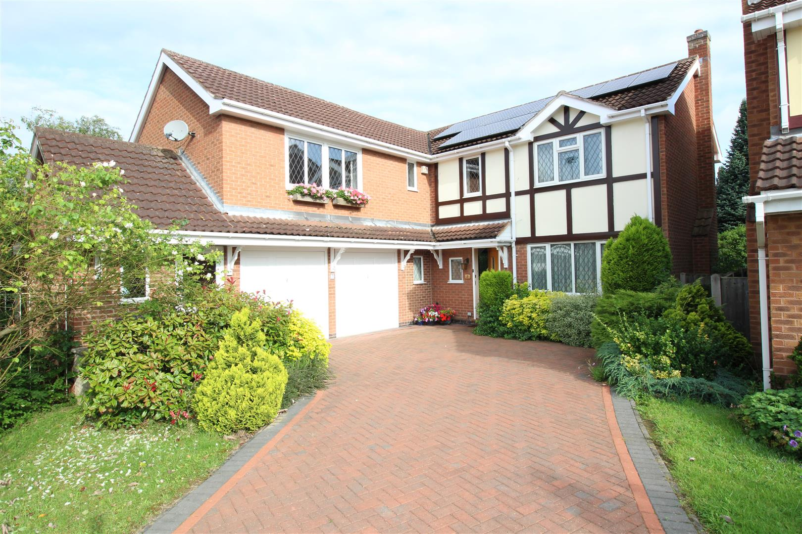 5 Bedrooms House for sale in Edingale Court, Bramcote